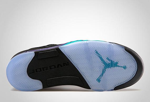 Air-Jordan-Black-Grape-V-03