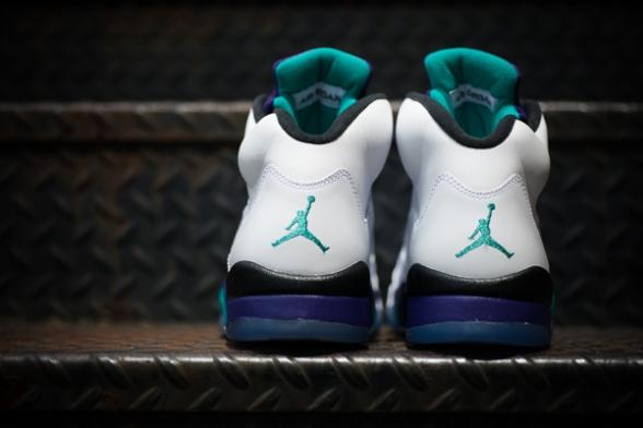 Air-Jordan-Grape-V-04