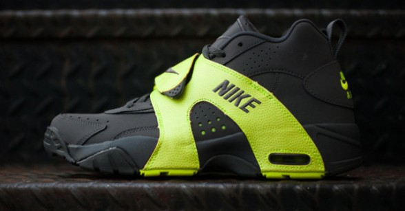 Nike-Air-Veer-Volt-02