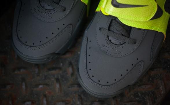 Nike-Air-Veer-Volt-04