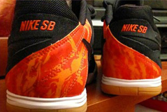 Thrasher-x-Nike-SB-Lunar-Gato-Strike-and-Destroy-1