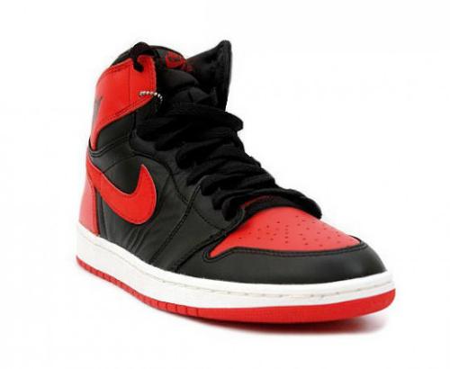 air-jordan-1-black-red-2013-retro