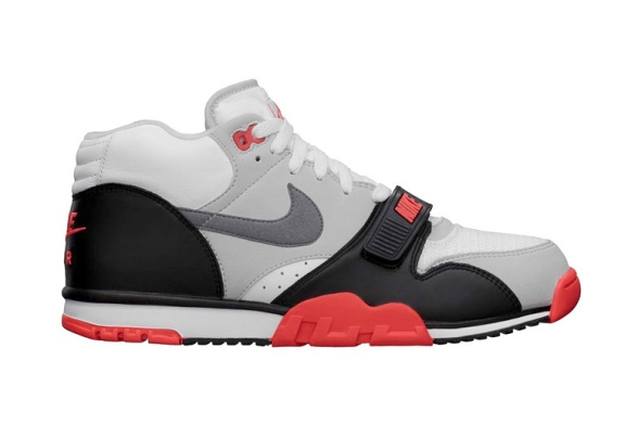 nike-air-trainer-1-mid-premium-qs-infrared-1